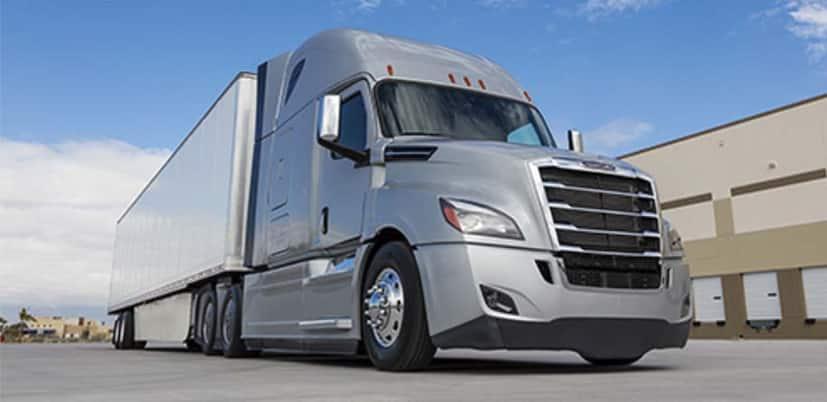 Lidera Freightliner segmento de carga en julio