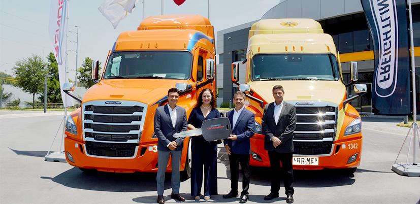 Difrenosa y Freightliner trazan ruta con Alianza Trayecto; entregan 60 Cascadia